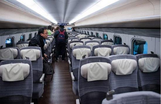 Япония запускает в эксплуатацию новый скоростной поезд (фото, видео), фото-4