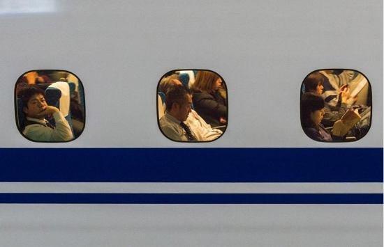 Япония запускает в эксплуатацию новый скоростной поезд (фото, видео), фото-8
