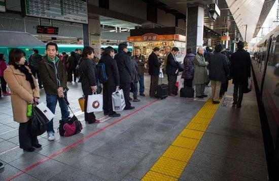 Япония запускает в эксплуатацию новый скоростной поезд (фото, видео), фото-7