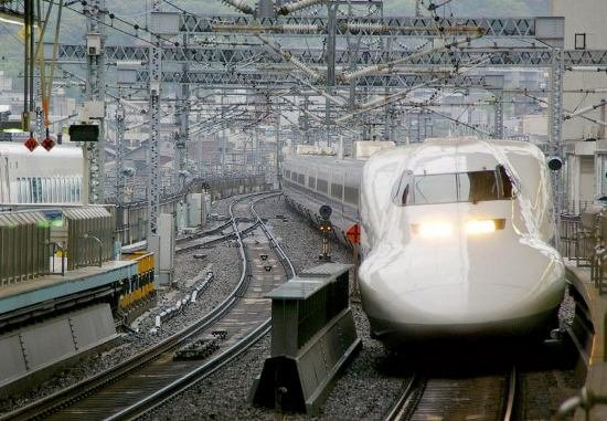 Япония запускает в эксплуатацию новый скоростной поезд (фото, видео), фото-12