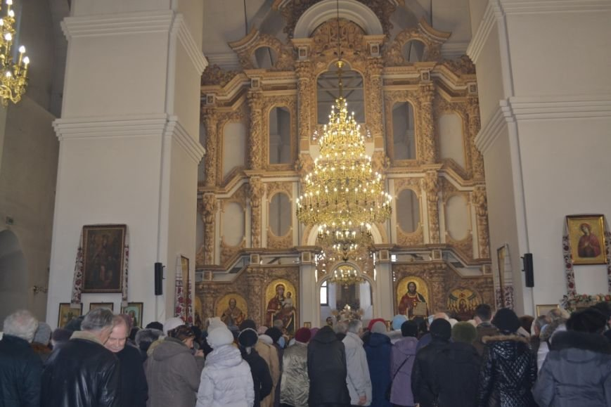 Патриарх Филарет в Полтаве освятил иконостас с гербом Украины и вручил награду главе ОГА (Фото), фото-1