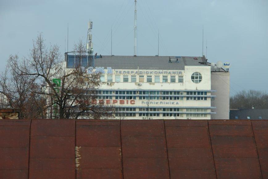 На адмінбудівлі в центрі міста почали монтувати сонячні панелі (ФОТО), фото-2