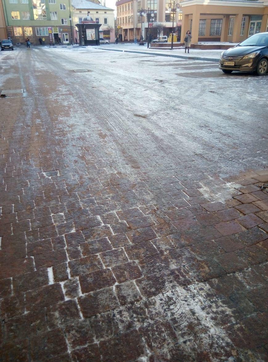 Крокуючи вулицями міста, франківці знову наражаються на травми (ФОТО), фото-2