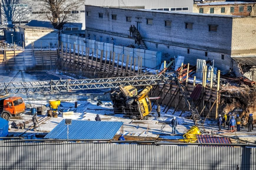 В Харькове на стройке упал башенный кран (ФОТО), фото-4