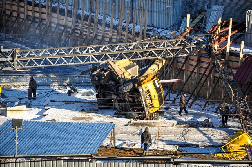 В Харькове на стройке упал башенный кран (ФОТО), фото-5