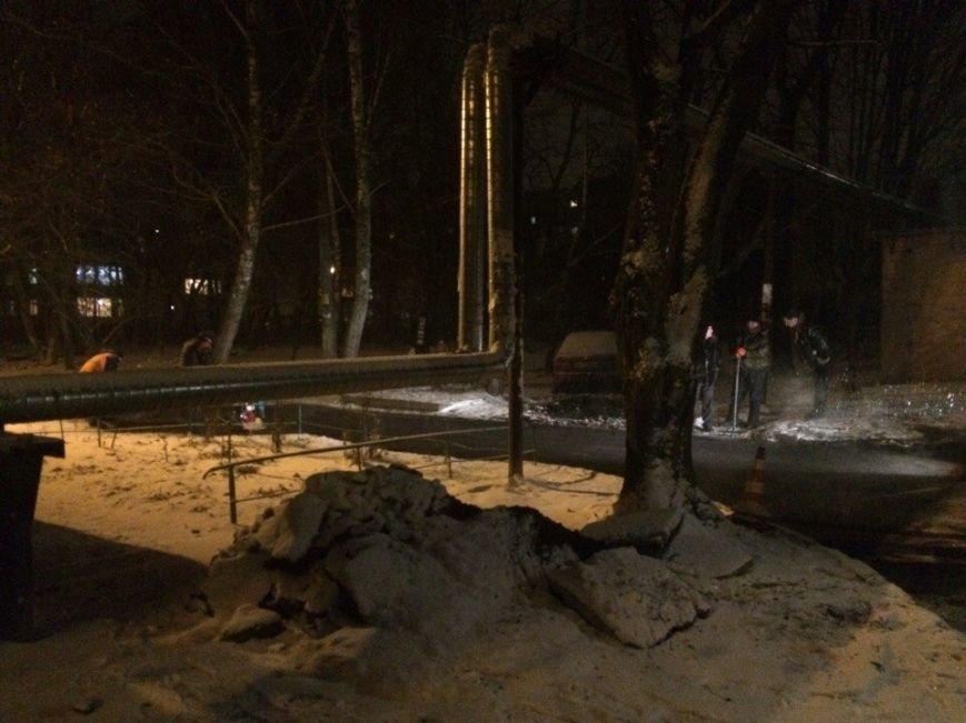 Снег ремонту не помеха: в Полтаве снова укладывают асфальт во время снегопада (Фотофакт), фото-2
