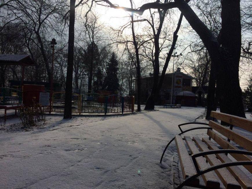 Первый снег в Мариуполе  порадовал с утра, но уже успел растаять (ФОТО), фото-19