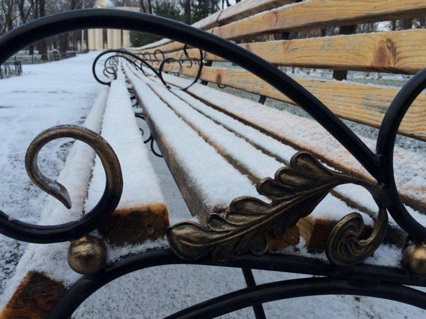 Первый снег в Мариуполе  порадовал с утра, но уже успел растаять (ФОТО), фото-12