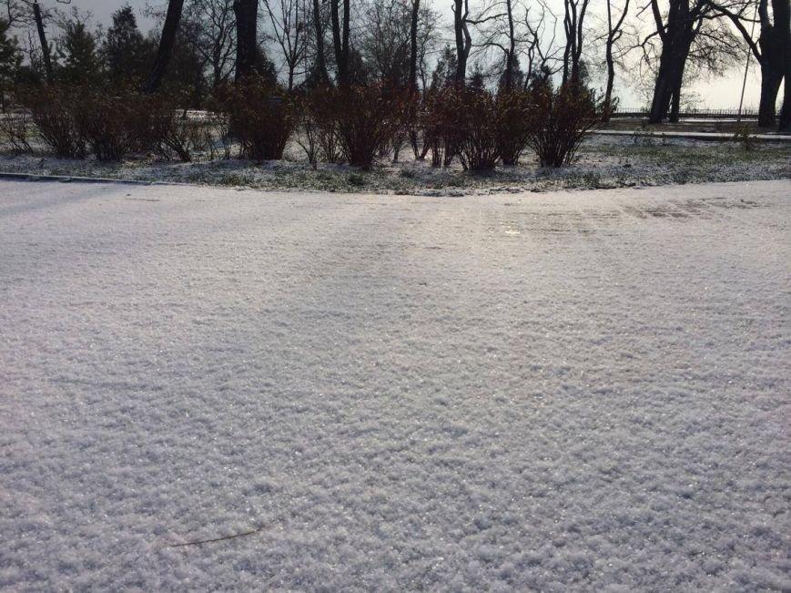 Первый снег в Мариуполе  порадовал с утра, но уже успел растаять (ФОТО), фото-2
