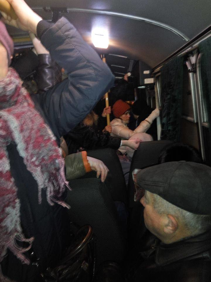 Знову скарга. Автобуси зі Старого Лисця розвалюються під ногами пасажирів. Фото, фото-4