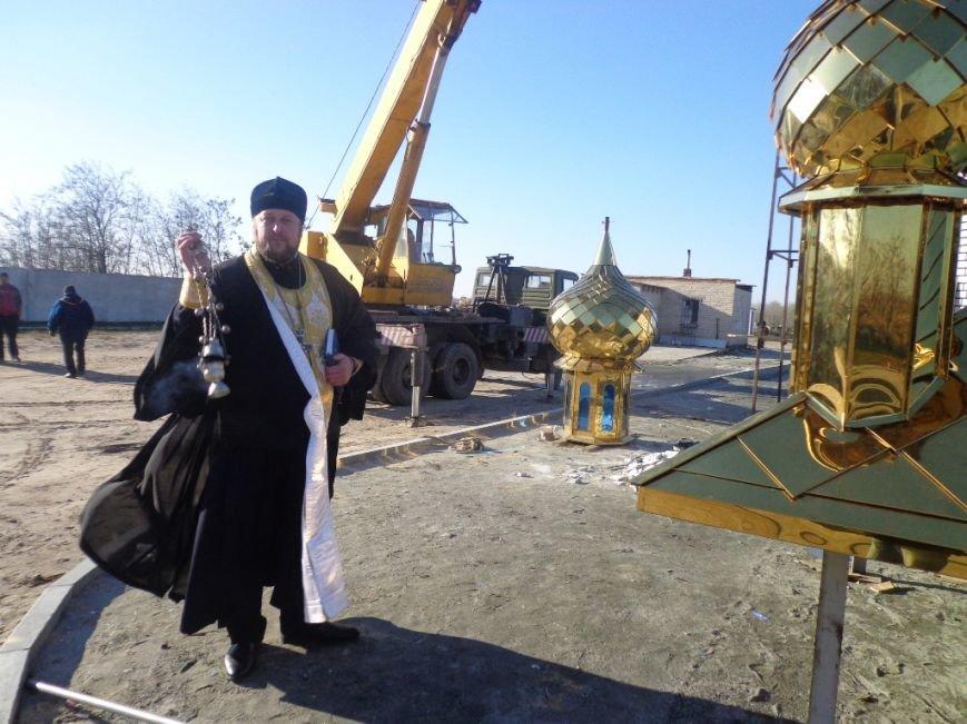 На часовню святого Николая возвели купола с освященными крестами (фото), фото-3