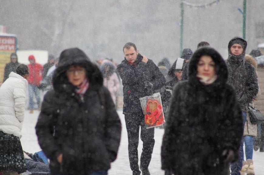 В Ужгород йде сильний сніг, фото-13
