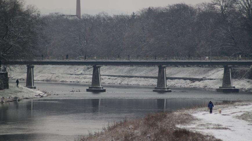 В Ужгород йде сильний сніг, фото-3