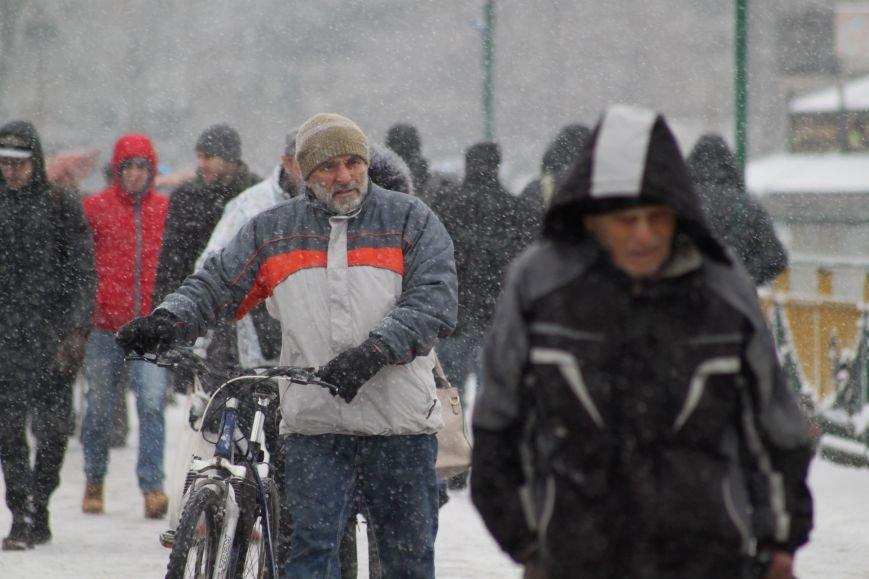 В Ужгород йде сильний сніг, фото-2