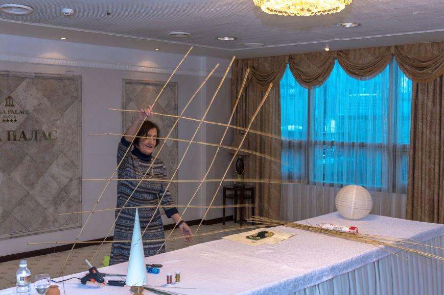 Альтернативную ёлку изготовили в Мега Палас Отеле, фото-3