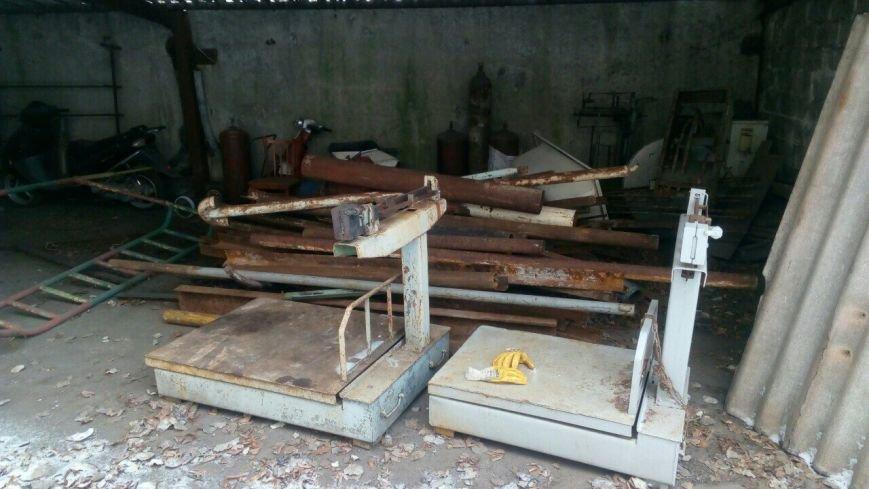 В Каменском супруги устроили нелегальный пункт приема металлолома во дворе арендованного дома, фото-2