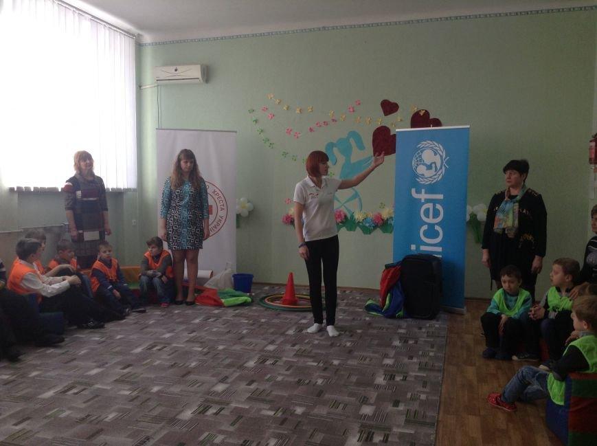 В Покровске детям с ограниченными возможностями подарили настоящий праздник, фото-7