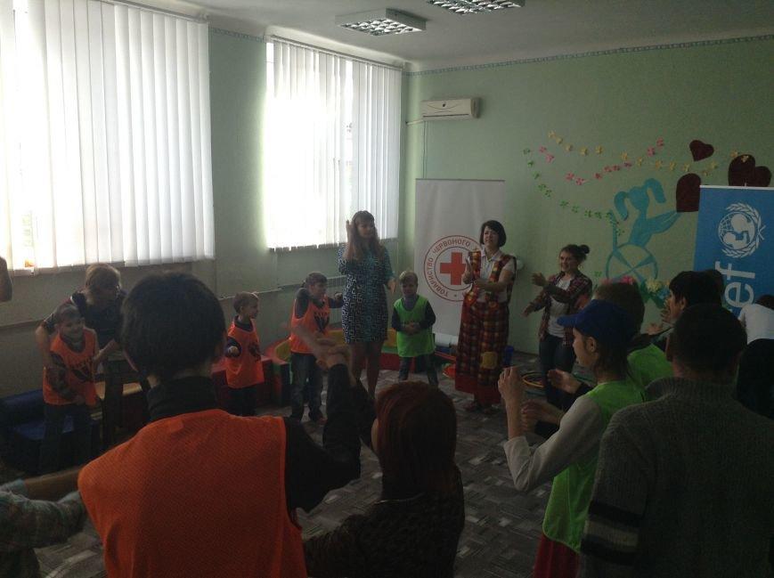 В Покровске детям с ограниченными возможностями подарили настоящий праздник, фото-9