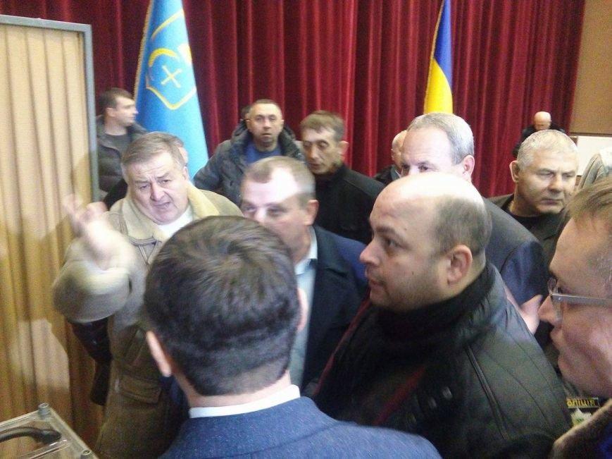 Драку депутатов Сумского облсовета разнял главный полицейский Сумщины (ФОТО), фото-1