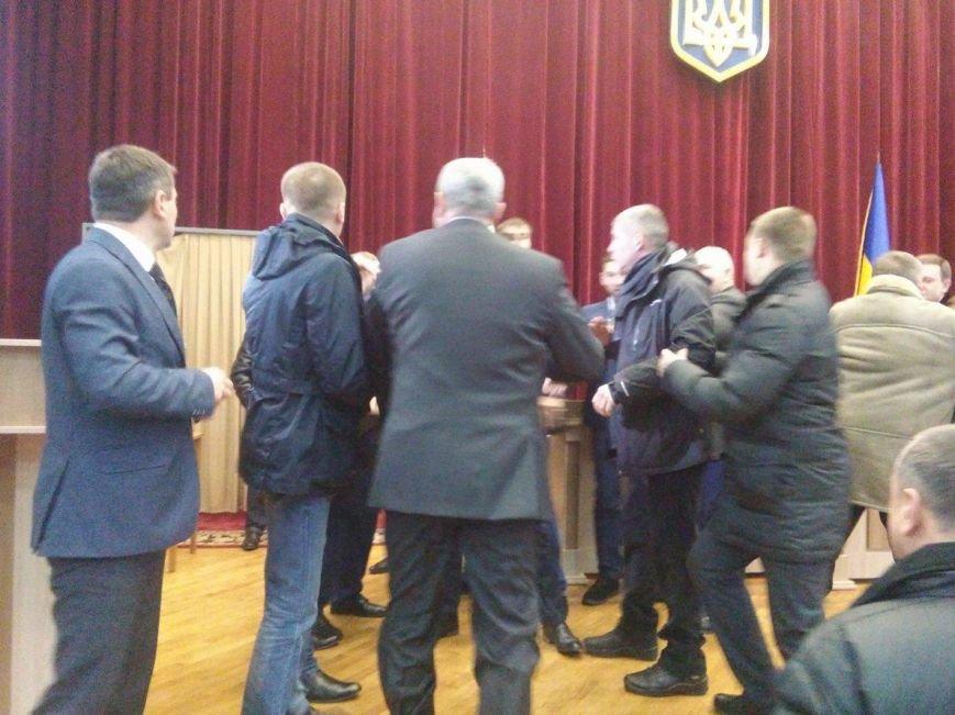 Драку депутатов Сумского облсовета разнял главный полицейский Сумщины (ФОТО), фото-3
