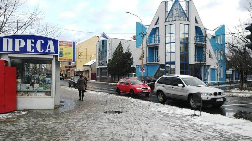 Ужгородська мерія та підприємці не справилися з першим снігом: фото, фото-4