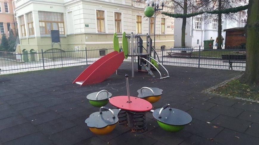 Где играют дети в Мариуполе и странах Европы (ФОТО), фото-18
