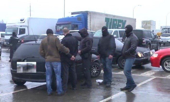 Як у Мукачеві працівники СБУ затримували рекетира: фото, фото-1