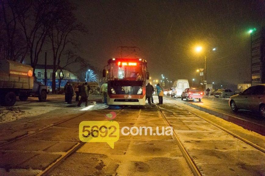 В Каменском трамвай сошел с рельсов в районе Прометея, фото-3