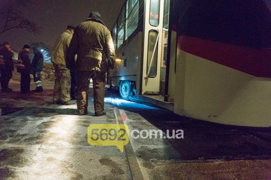 В Каменском трамвай сошел с рельсов в районе Прометея, фото-1