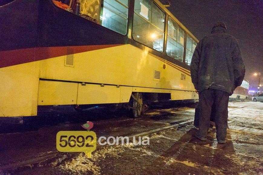 В Каменском трамвай сошел с рельсов в районе Прометея, фото-4