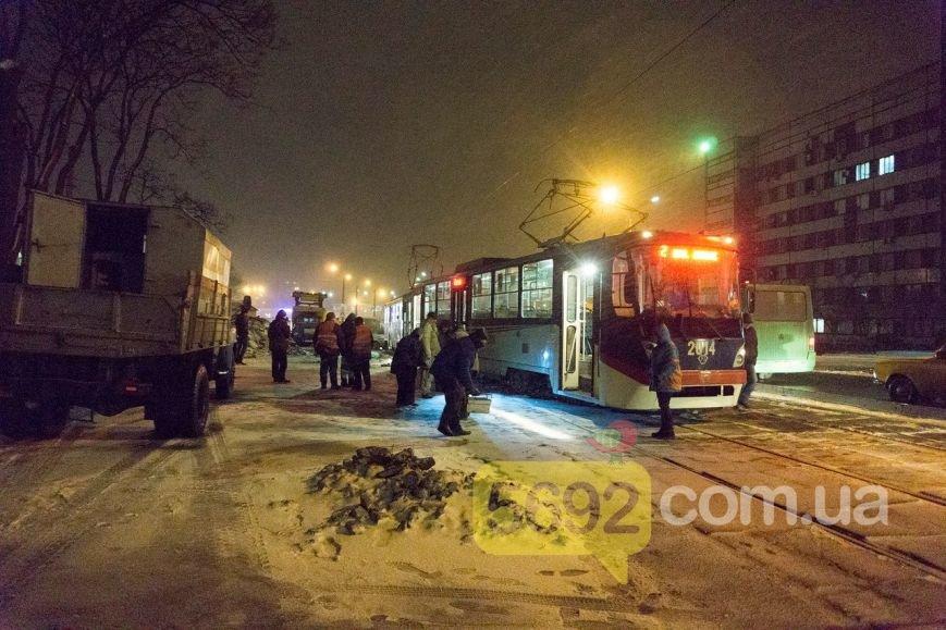 В Каменском трамвай сошел с рельсов в районе Прометея, фото-2