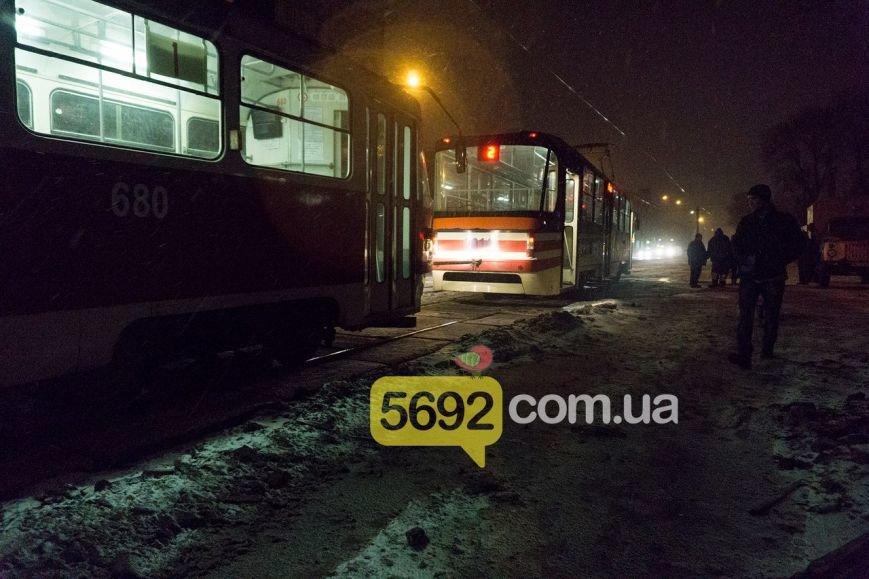 В Каменском трамвай сошел с рельсов в районе Прометея, фото-5