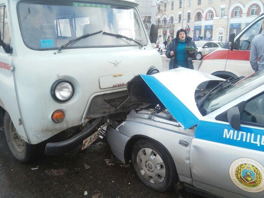Пять автомобилей, в том числе милиции и медпомощи, столкнулись в Витебске. ФОТО, фото-1