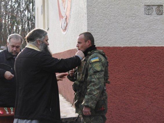 Четверо закарпатських кінологів поїхали захищати Україну в зону АТО: фото, фото-6
