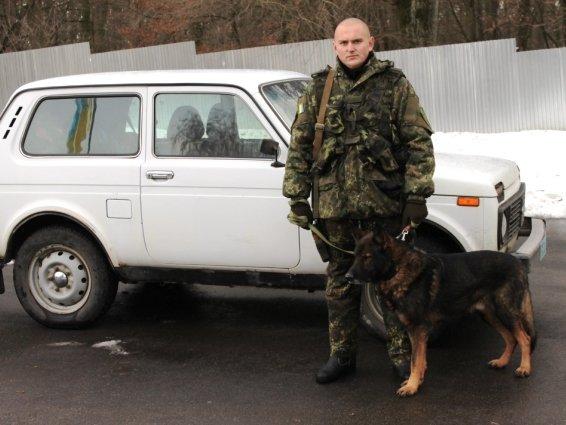 Четверо закарпатських кінологів поїхали захищати Україну в зону АТО: фото, фото-3