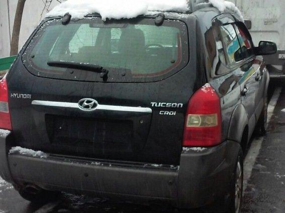 """У Мукачеві злочинці побили таксиста і викрали його елітний джип """"Хюндай"""": фото, фото-2"""
