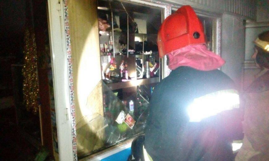 Ночной пожар в Днепре: горела парикмахерская (ФОТО), фото-3