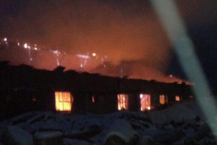 В Каменском горел склад на проспекте Аношкина, фото-1