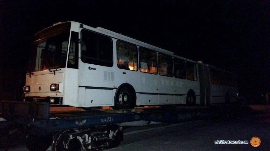 До Тернополя привезли чергового тролейбуса з Європи (фото), фото-1