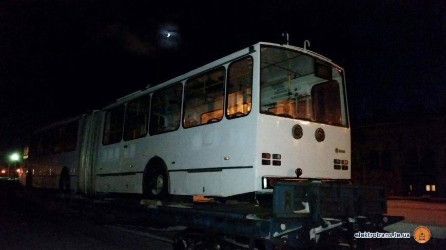 До Тернополя привезли чергового тролейбуса з Європи (фото), фото-2