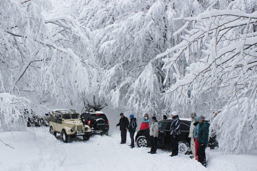 Водителей просят воздержаться от поездок по закрытой дороге Бахчисарай – Ялта до весны, фото-1