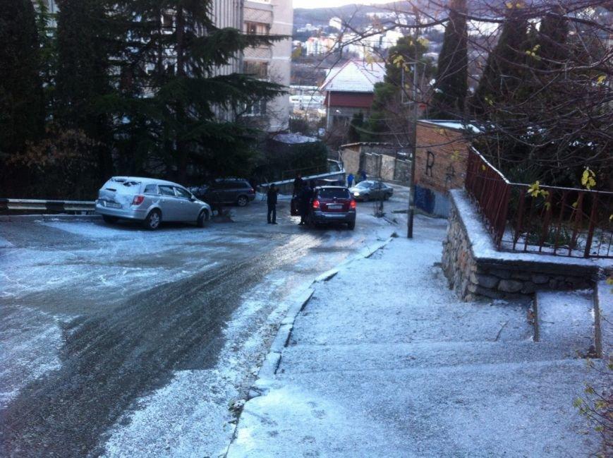 Зимние традиции Ялты: горнолыжные трассы вместо автодорог, фото-1