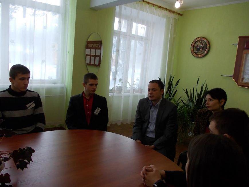 Мэр Каменского встретился с учениками 8-й школы, фото-1