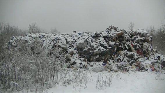 На Сумщине четыре грузовика незаконно выгрузили мусор со Львовской области (ФОТО, ВИДЕО), фото-3