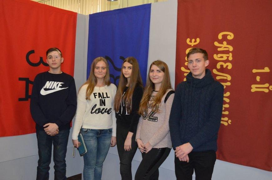 От Киевской Руси до Правого сектора: в музее показали украинские флаги (фото), фото-4