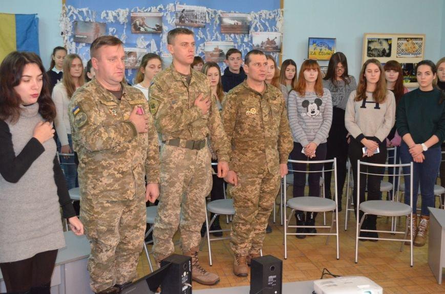 """В Мелитополе показали фильм о """"сильнейшей армии в Европе"""" (фото), фото-1"""