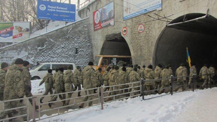 У Тернополі військові влаштували своєрідний флешмоб (фото), фото-1
