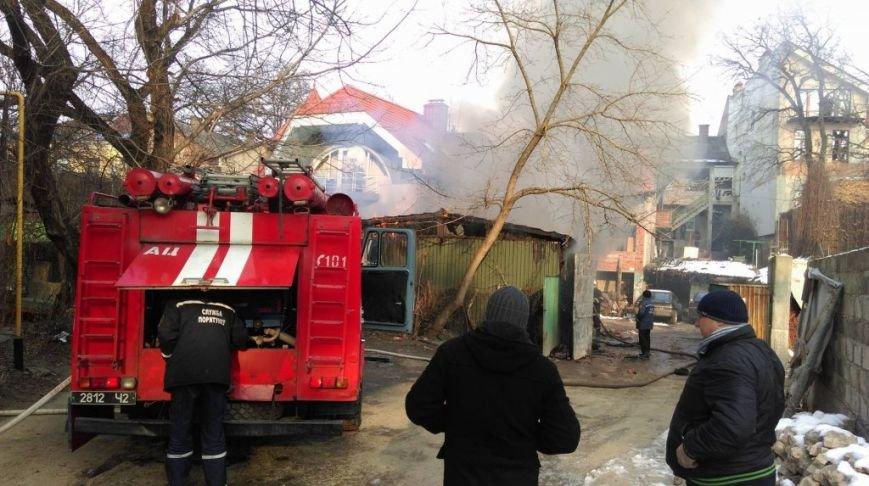 Офіційно про вибух у центрі Ужгорода, внаслідок якого постраждав чоловік: фото, фото-3