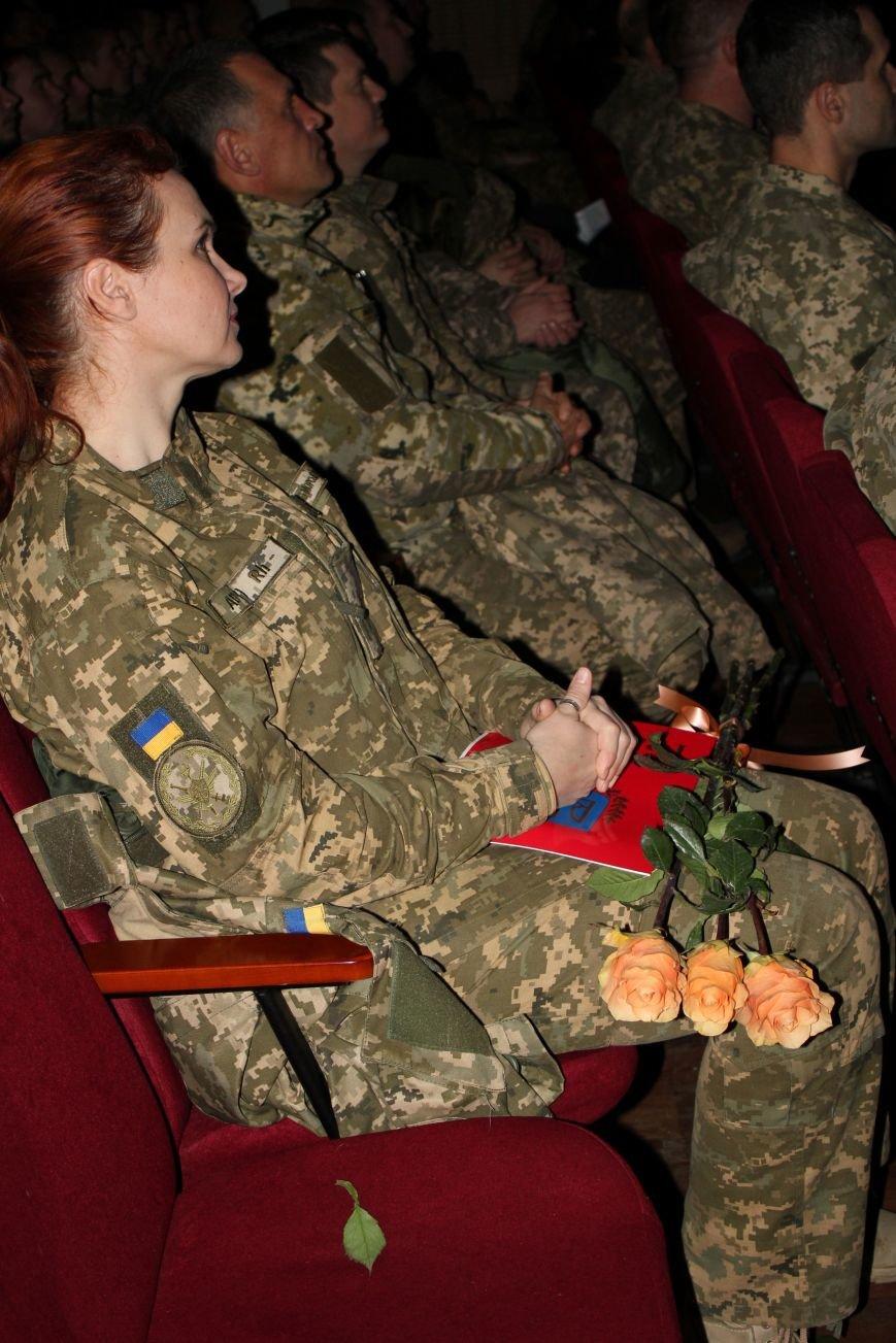 В Мариуполе военных поздравили с Днем ВСУ (ФОТО), фото-8