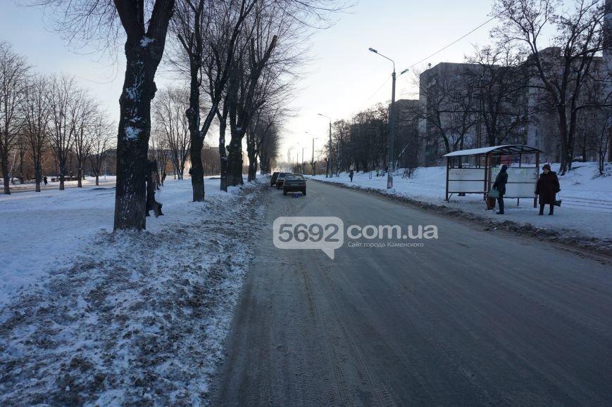 В ДТП на проспекте Аношкина в Каменском пострадала женщина-пешеход, фото-1